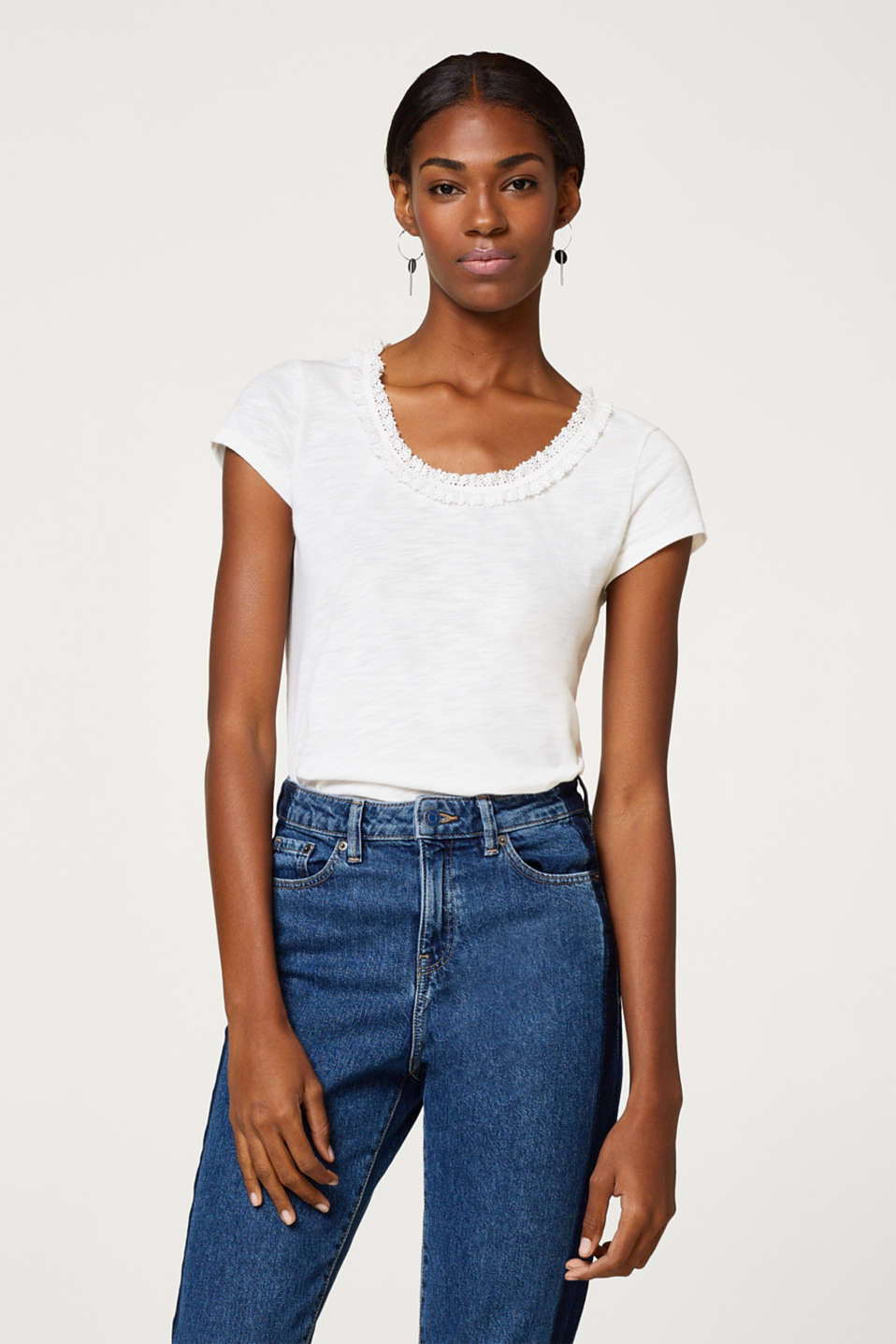Esprit - Slub T-shirt with lace neckline
