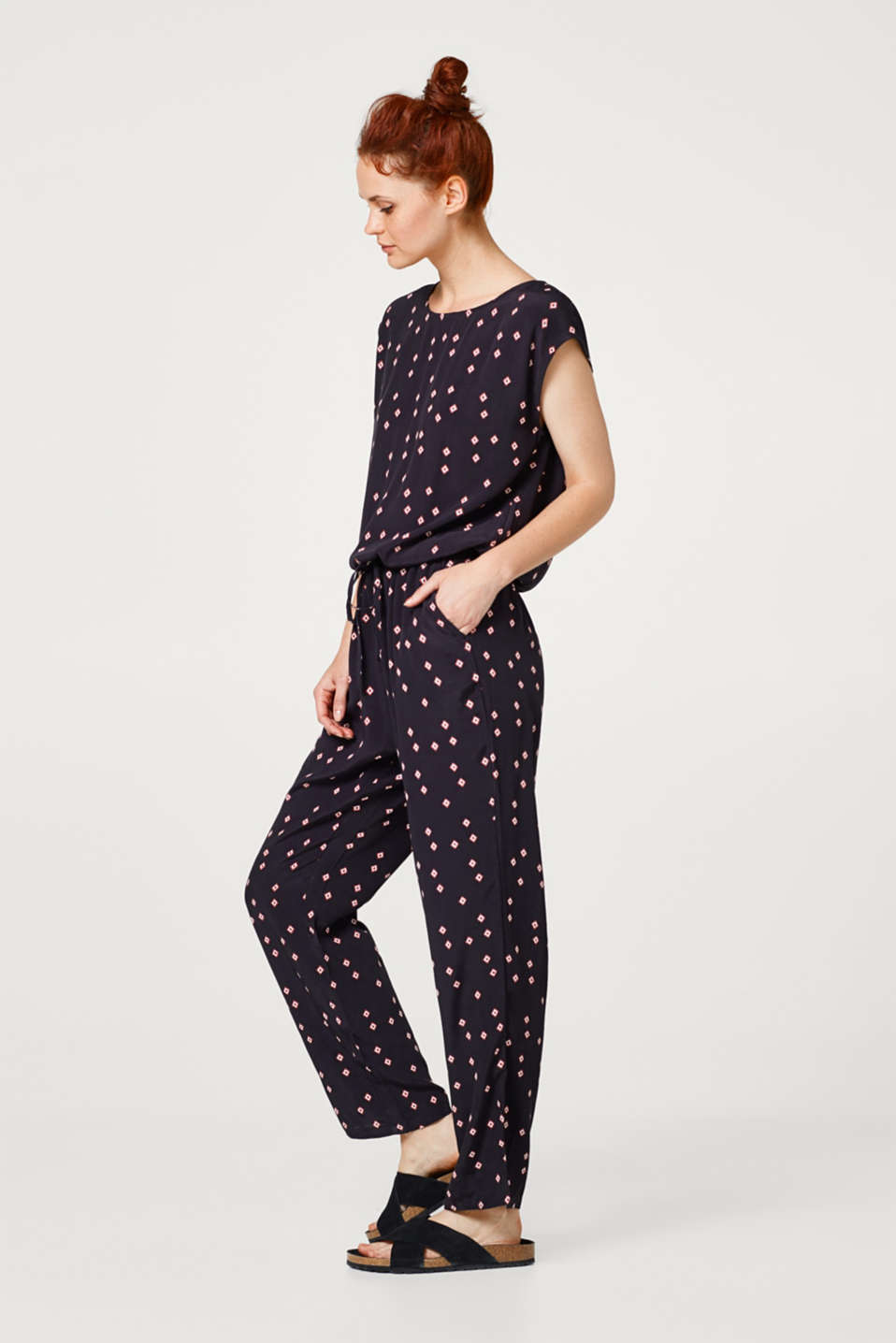 Esprit - Jumpsuit with a drawstring and a mini print