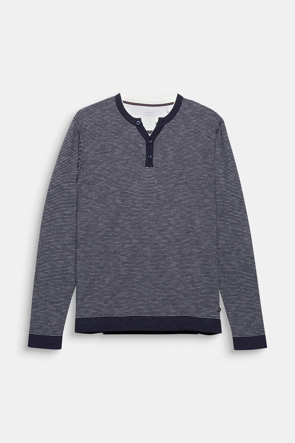 Your casual basic: jumper made of dense jersey with a Henley neckline.