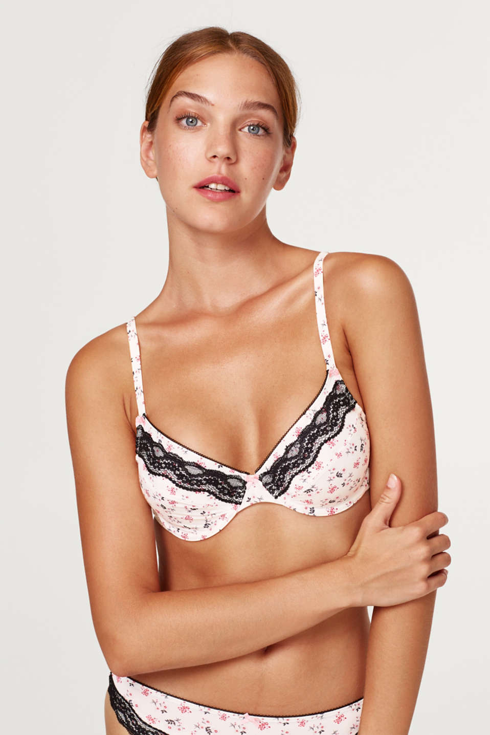 Esprit - Unpadded underwire bra with flowers and lace