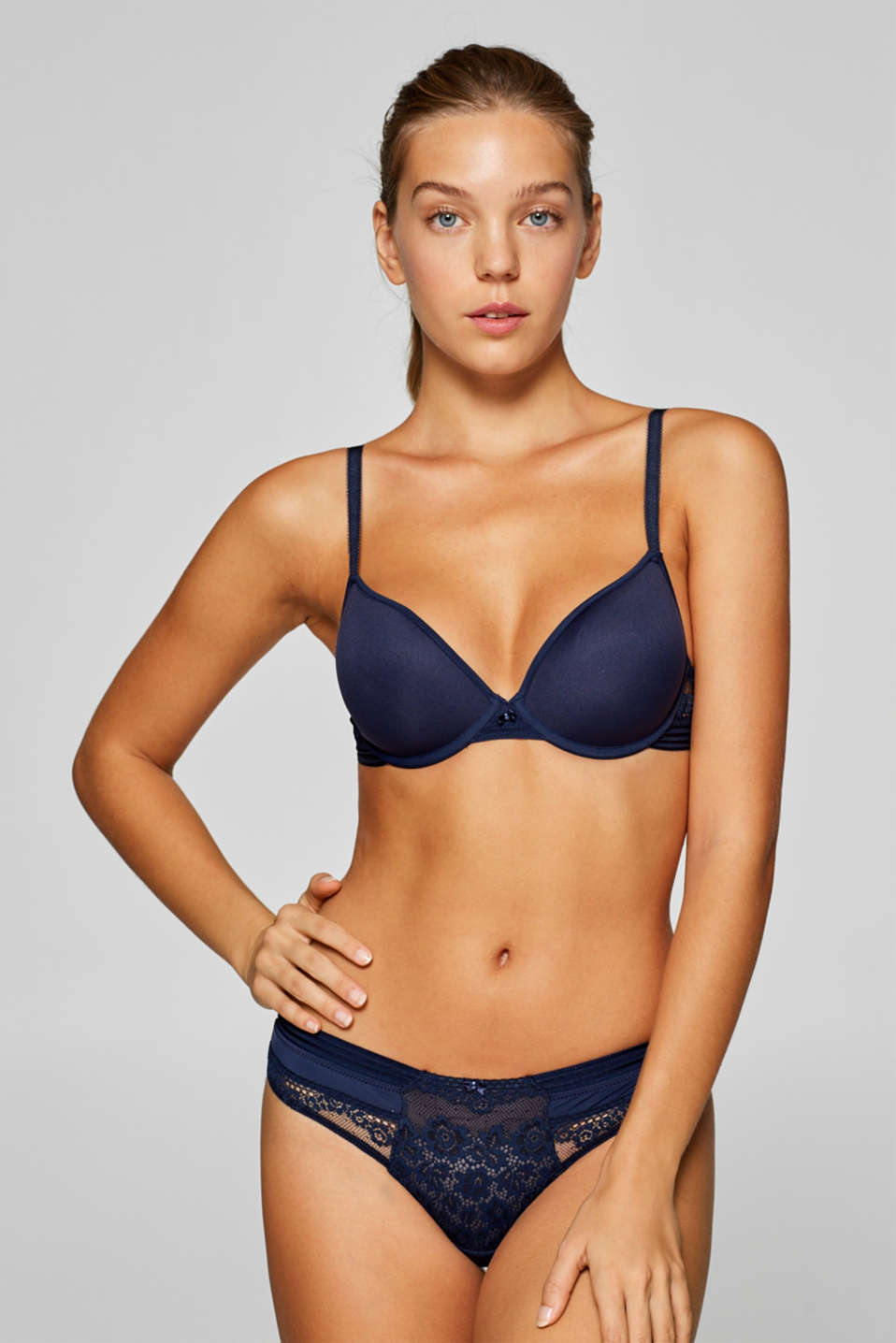 Esprit - Padded underwire bra made of mesh and lace