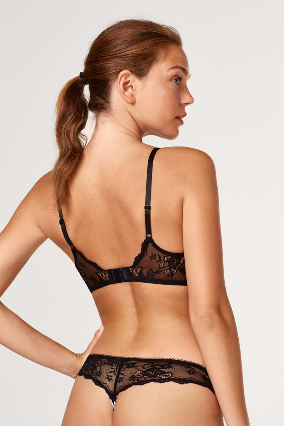 Padded non-wired bra with print and lace