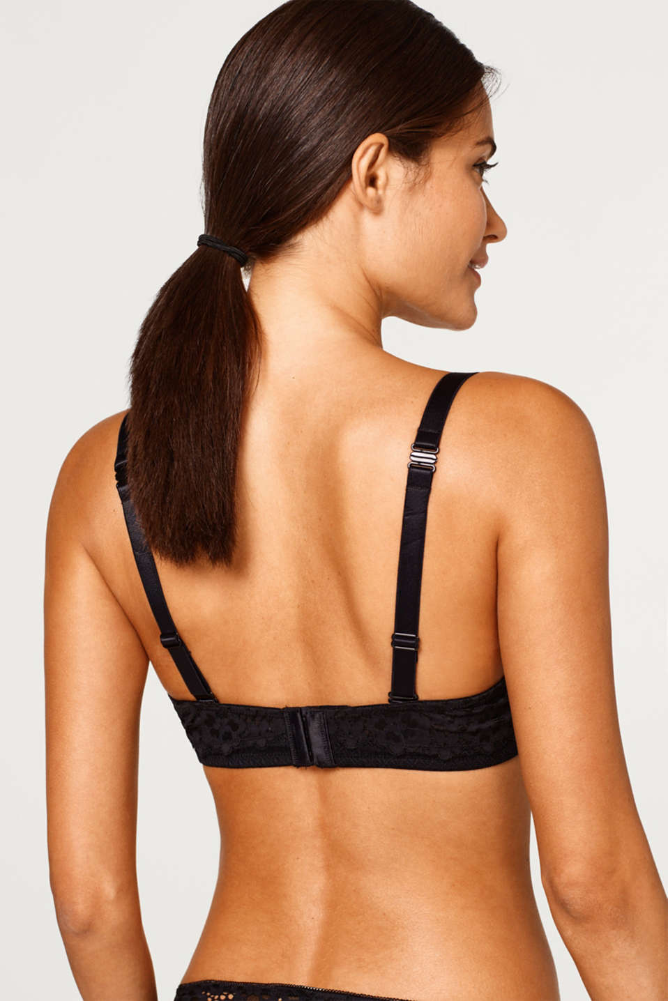 Unpadded underwire bra for larger cup sizes