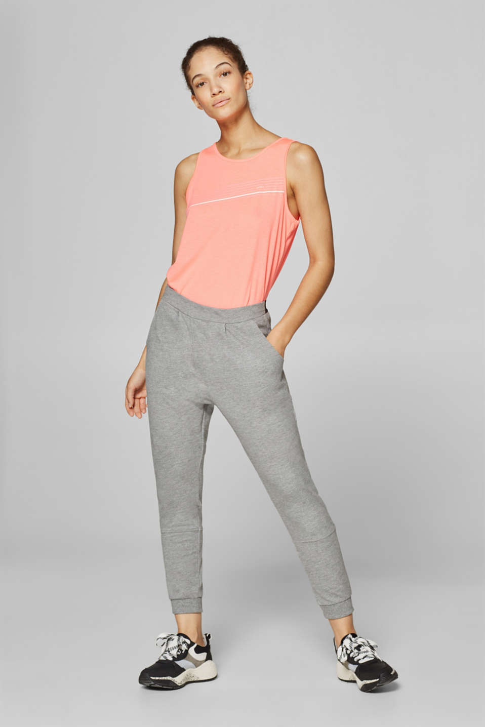 Esprit - Cropped tracksuit bottoms with a logo waistband