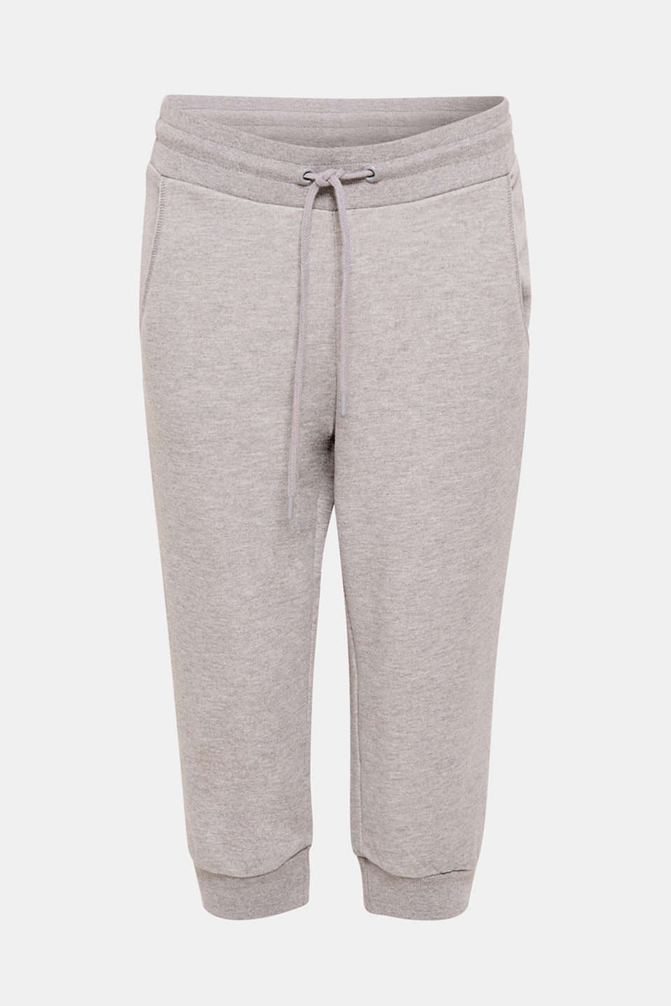 A favourite for free time and sports: these capris in lightweight sweatshirt fabric with comfortable ribbed trims are airy, casual and cosy!