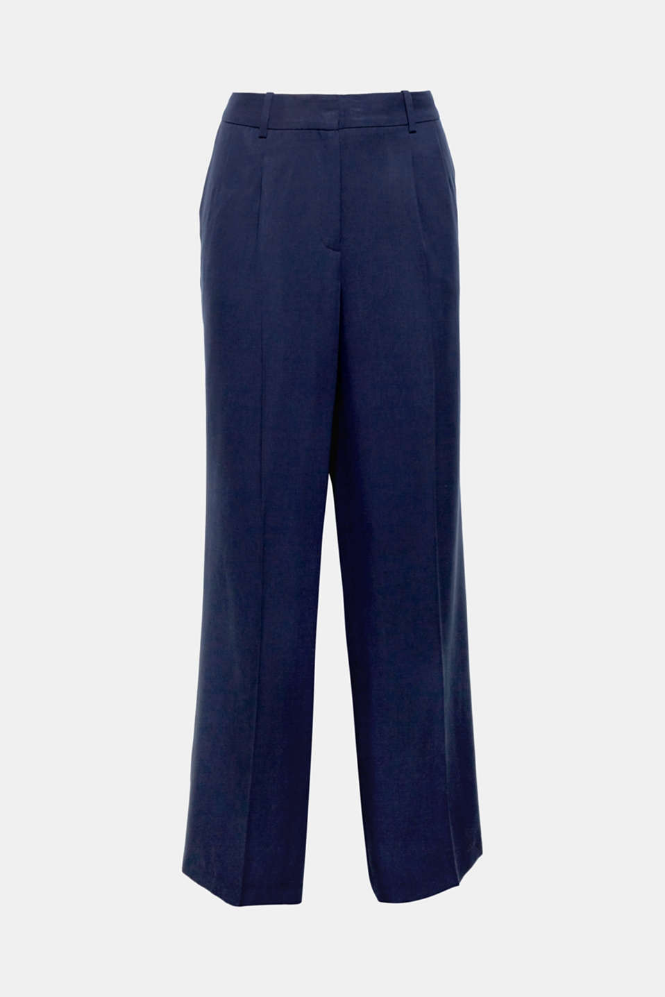 With a matching blazer or on their own: the finely textured outer surface and wide fit give these trousers an incredibly fashionable touch and make them a light and airy fashion piece.