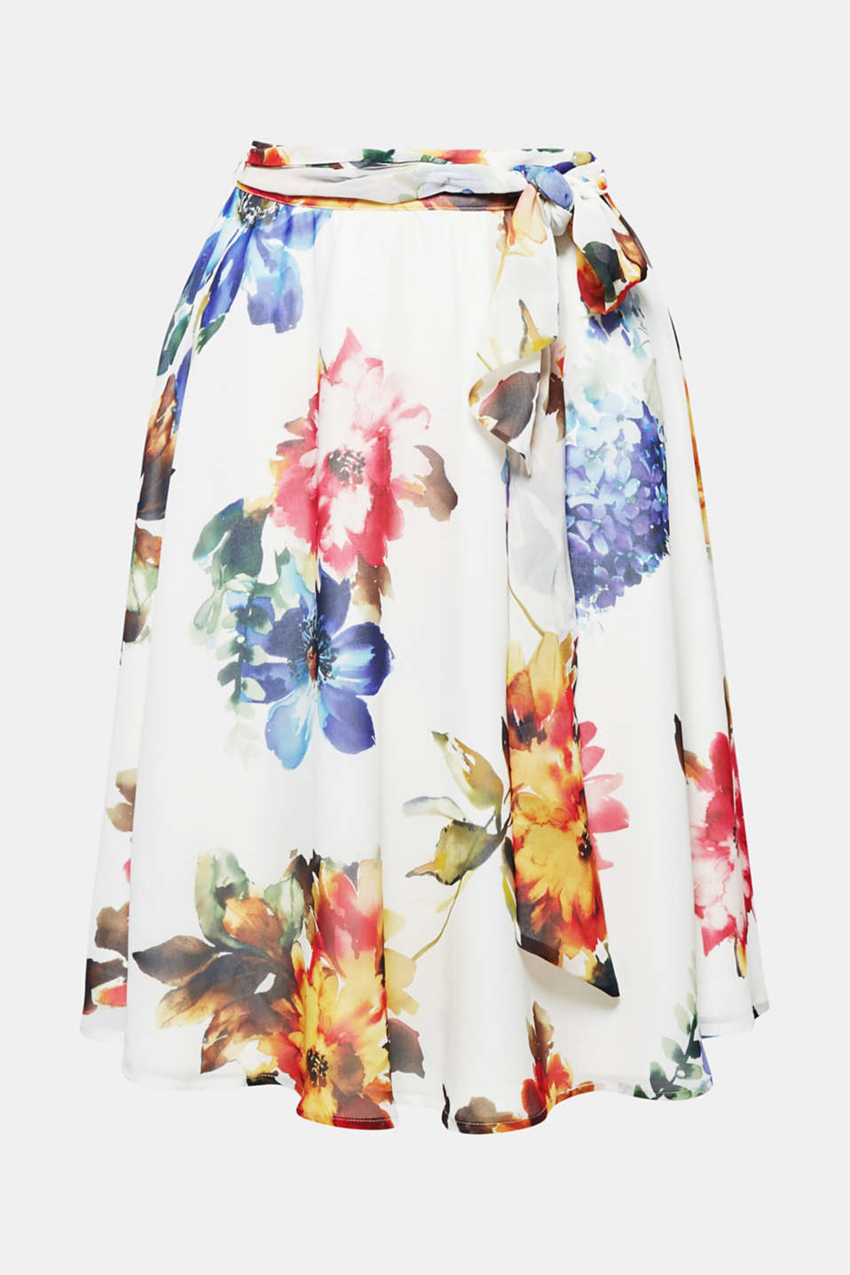 Swirl into summer: bell-shaped, flared skirt in delicate chiffon with an elaborate, colourful floral print. -Just perfect!