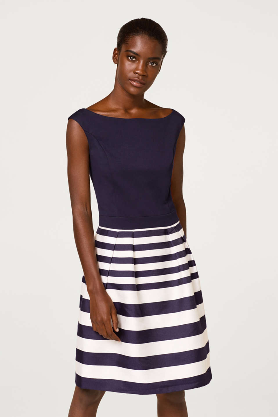 Dress with a jersey top and woven skirt