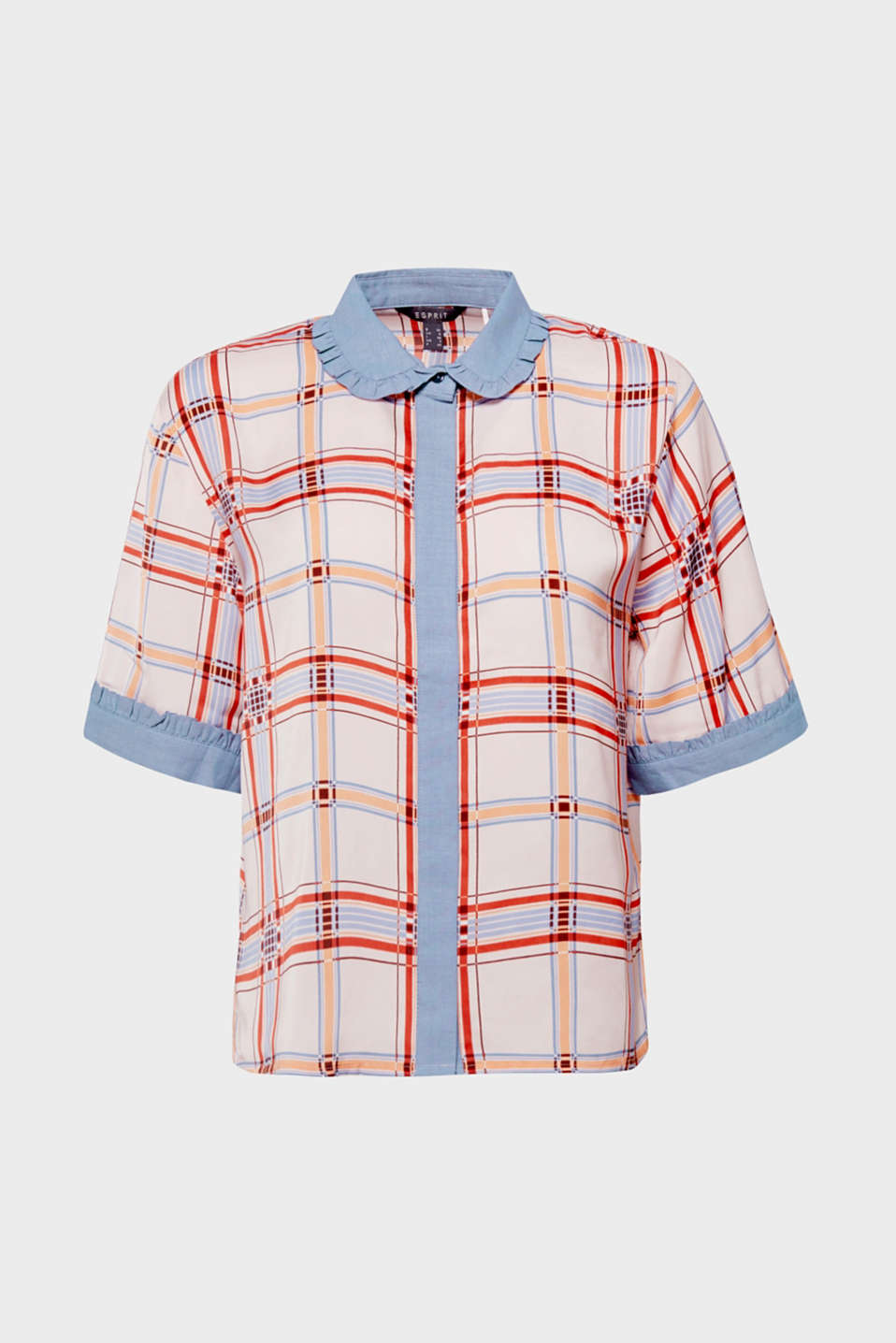 Casual cut, colourful checks, sporty chambray fabric and playful frills - this boxy blouse in flowing fabric offers a whole heap of fashion!
