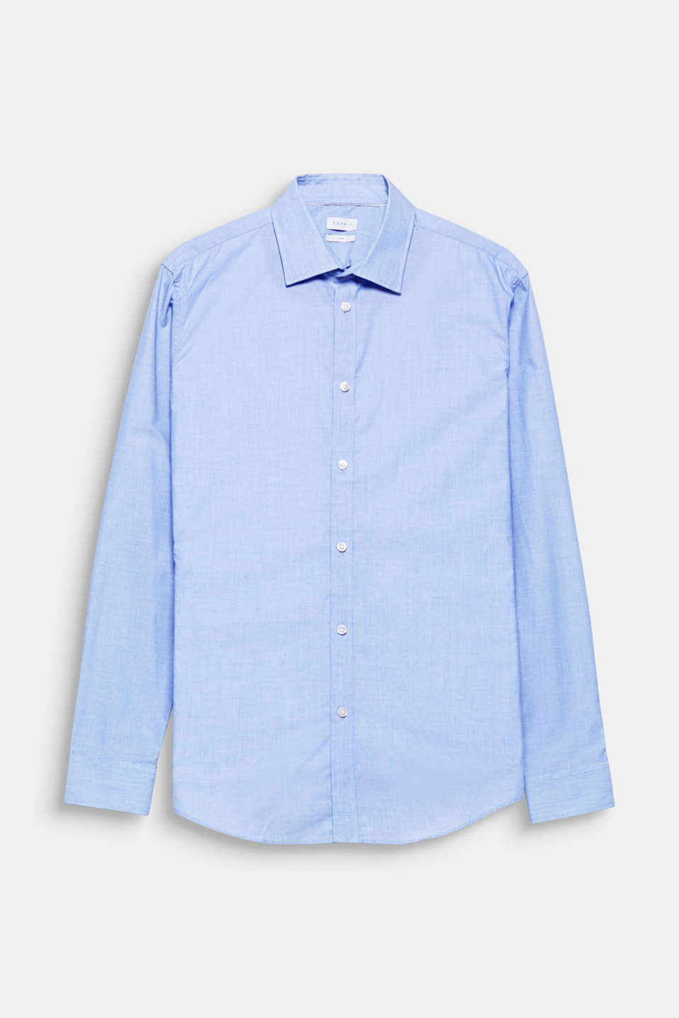 Suit up! This shirt with a distinctive chambray texture stylishly and elegantly completes your suit look.