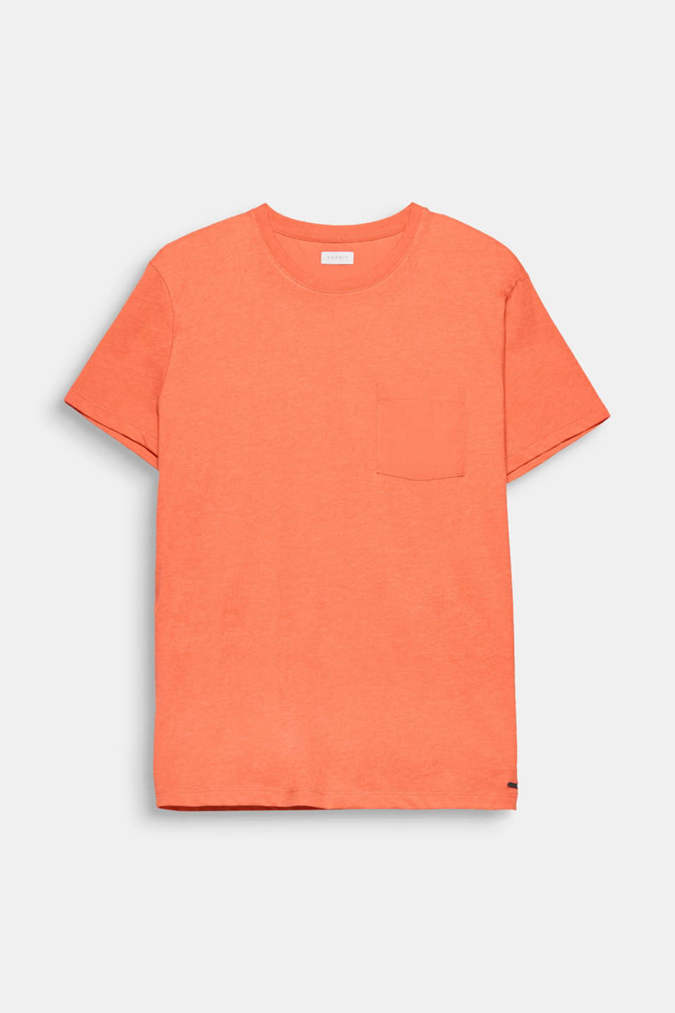 The vibrant colour and timeless, basic design make this T-shirt a favourite piece.