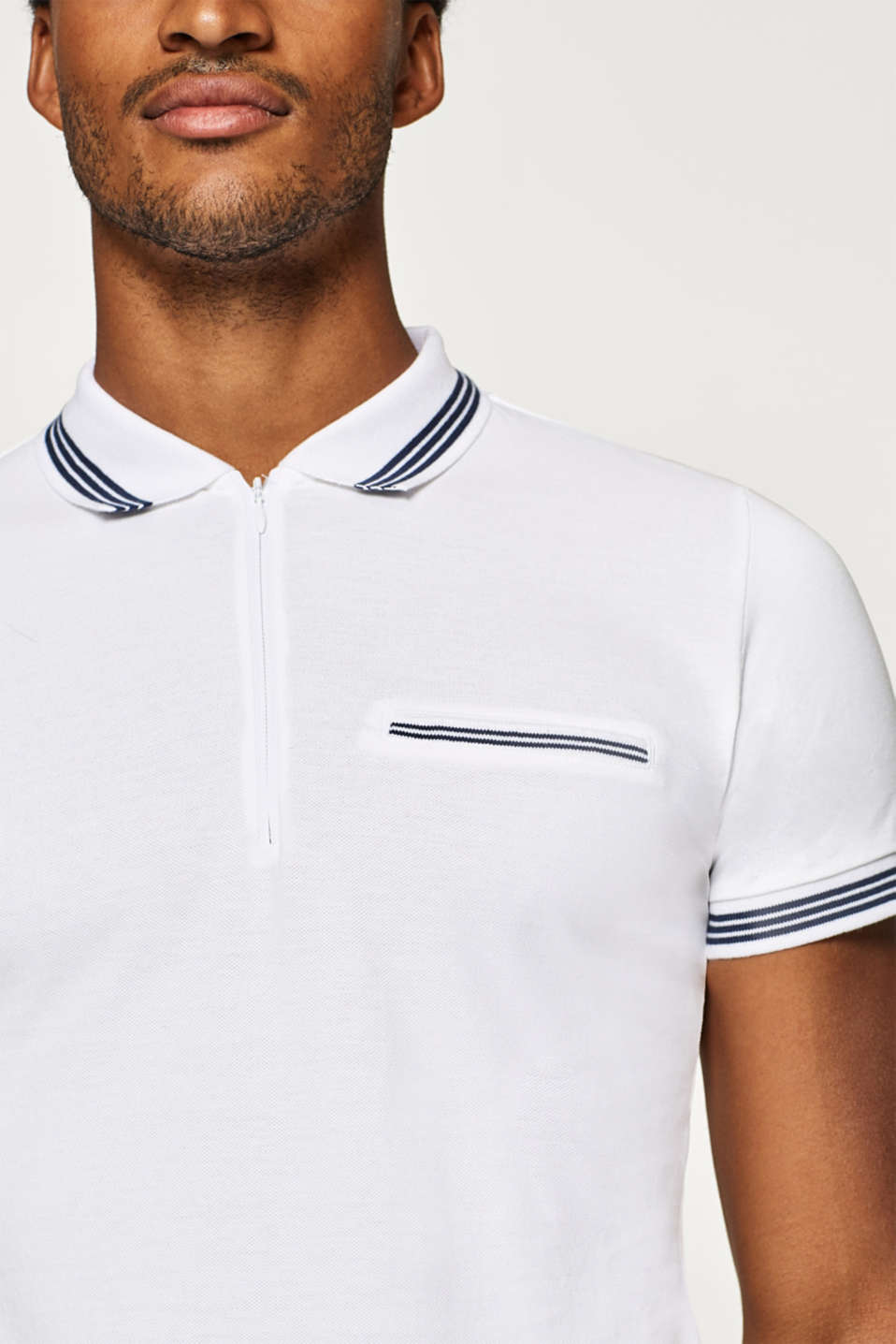 Piqué polo shirt with a zip, 100% cotton