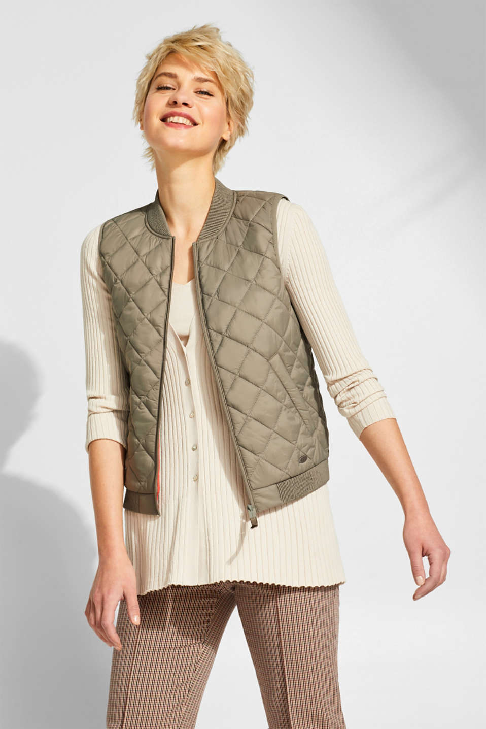 edc - Lightweight quilted body warmer with smocked trims
