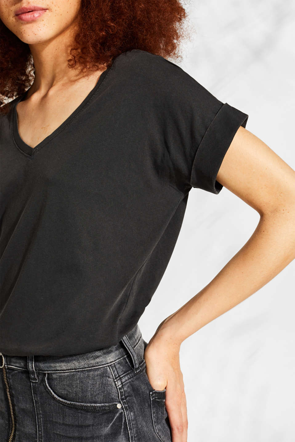 T-shirt with a casual cut, 100% cotton, BLACK, detail image number 2