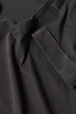 T-shirt with a casual cut, 100% cotton, BLACK, detail
