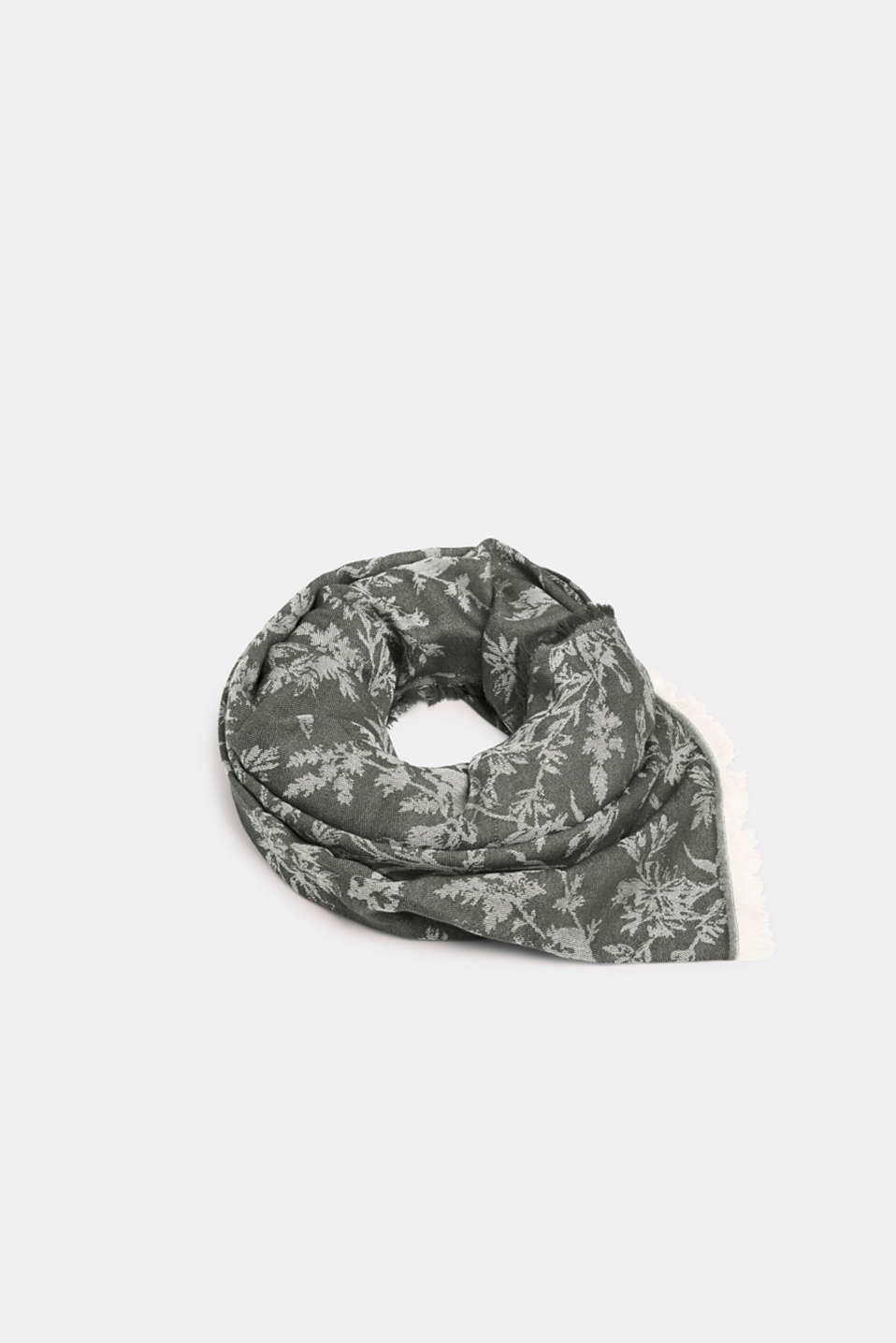 Esprit - Jacquard scarf with a positive-negative pattern
