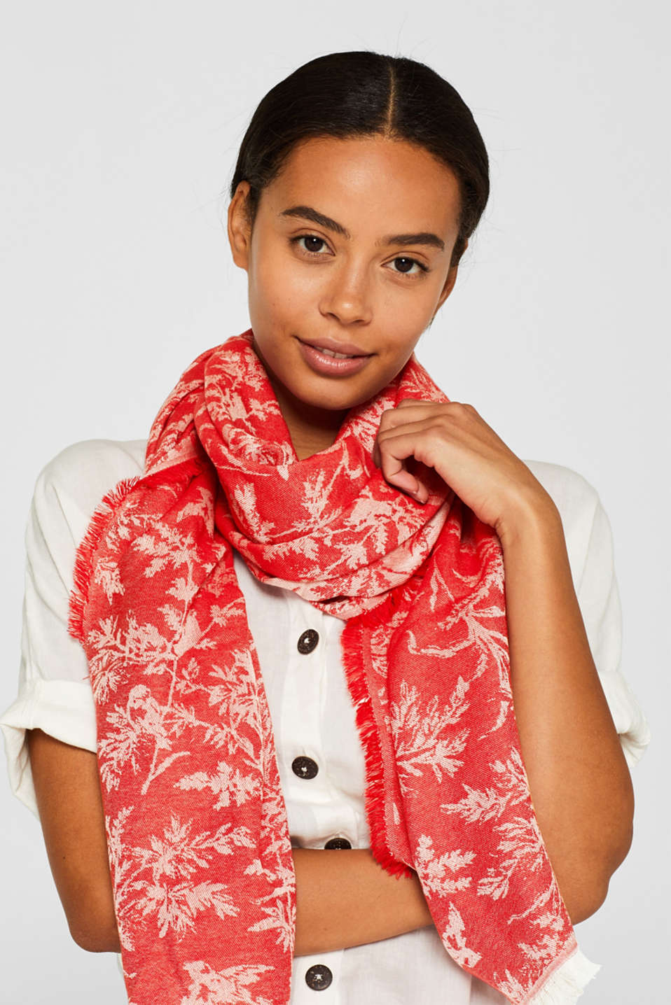 Jacquard scarf with a positive-negative pattern, RED, detail image number 1