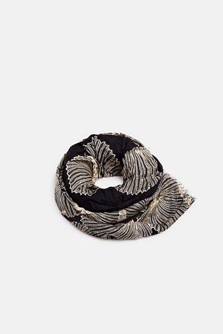 dd00636f2459fd Schal mit stilisiertem Blätter-Print. Grau + Silber · Weiß
