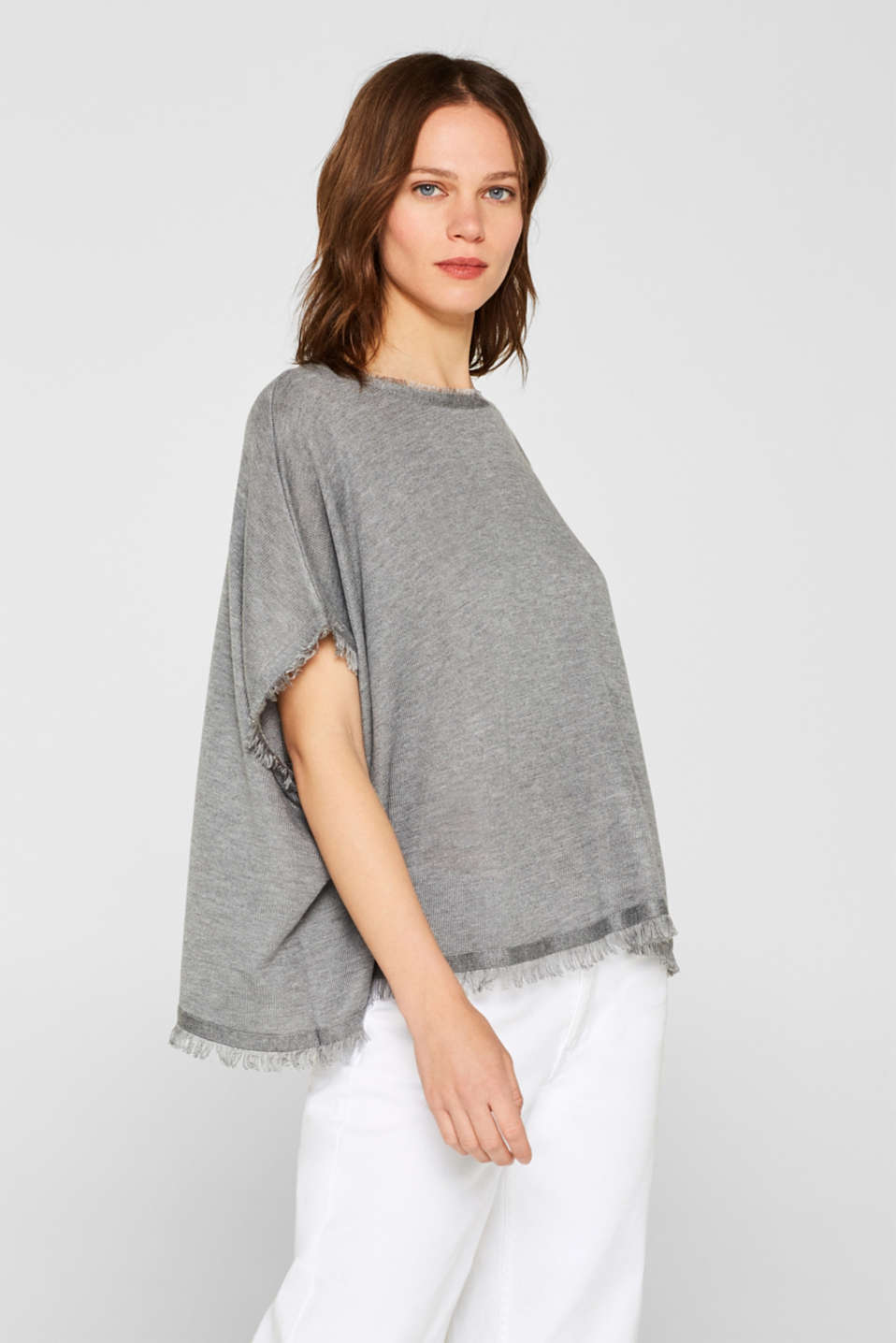 Esprit - Fringed poncho in a soft fine knit