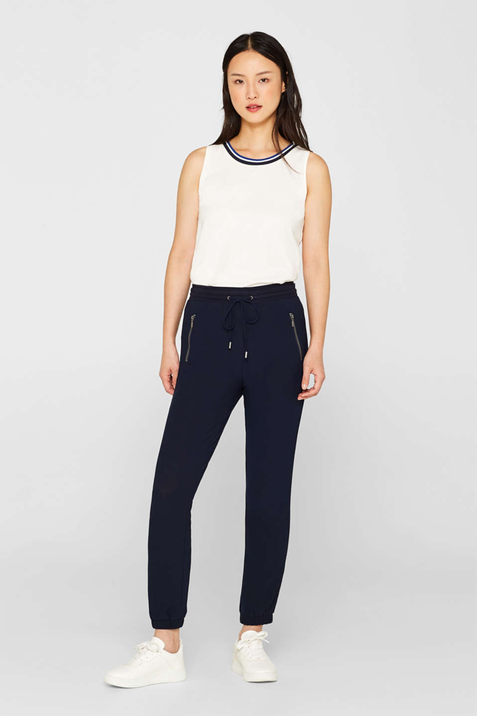 Esprit - Ankle-length tracksuit bottoms made of stretch crêpe