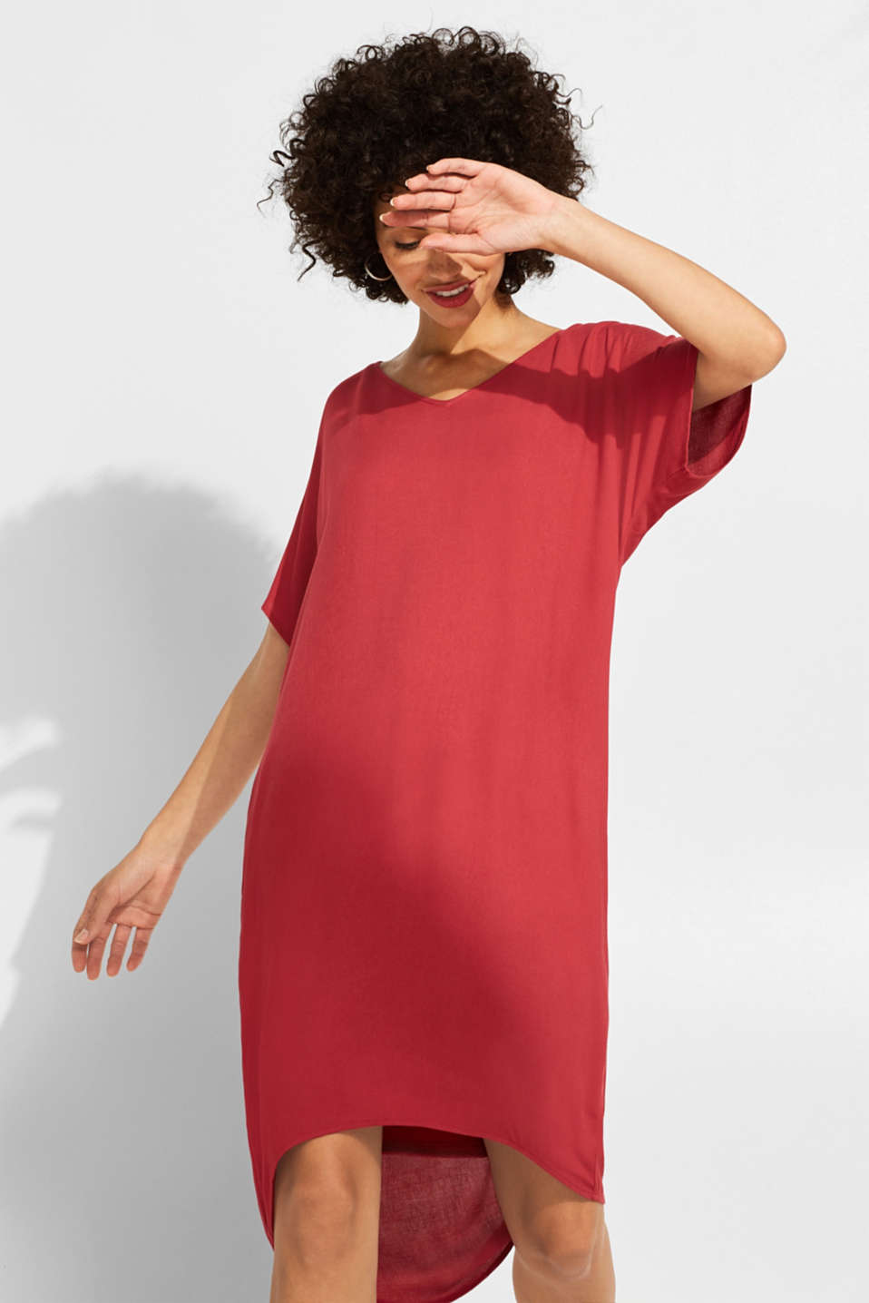 Esprit - Flowing midi dress with a jersey slip