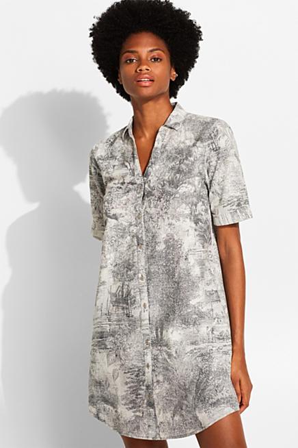 8a0671d37124 I linnemix: Skjortklänning med konstfullt mönster