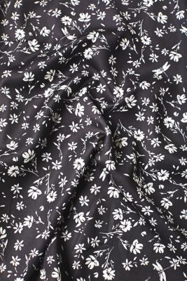 Blouse top with a floral print