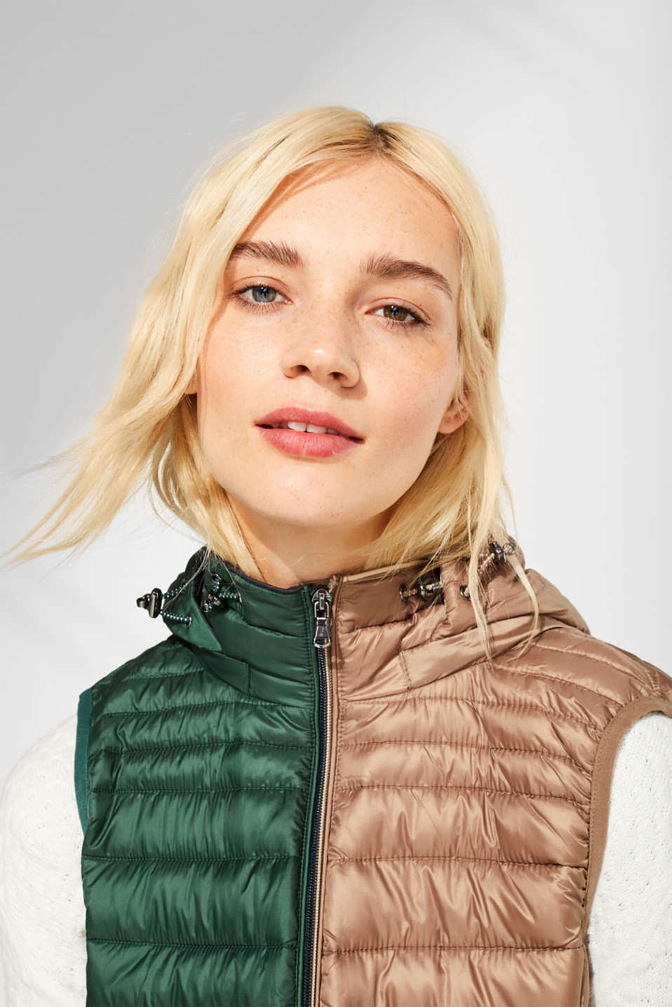 Quilted body warmer with 3M® Thinsulate filling, TAUPE, detail image number 8