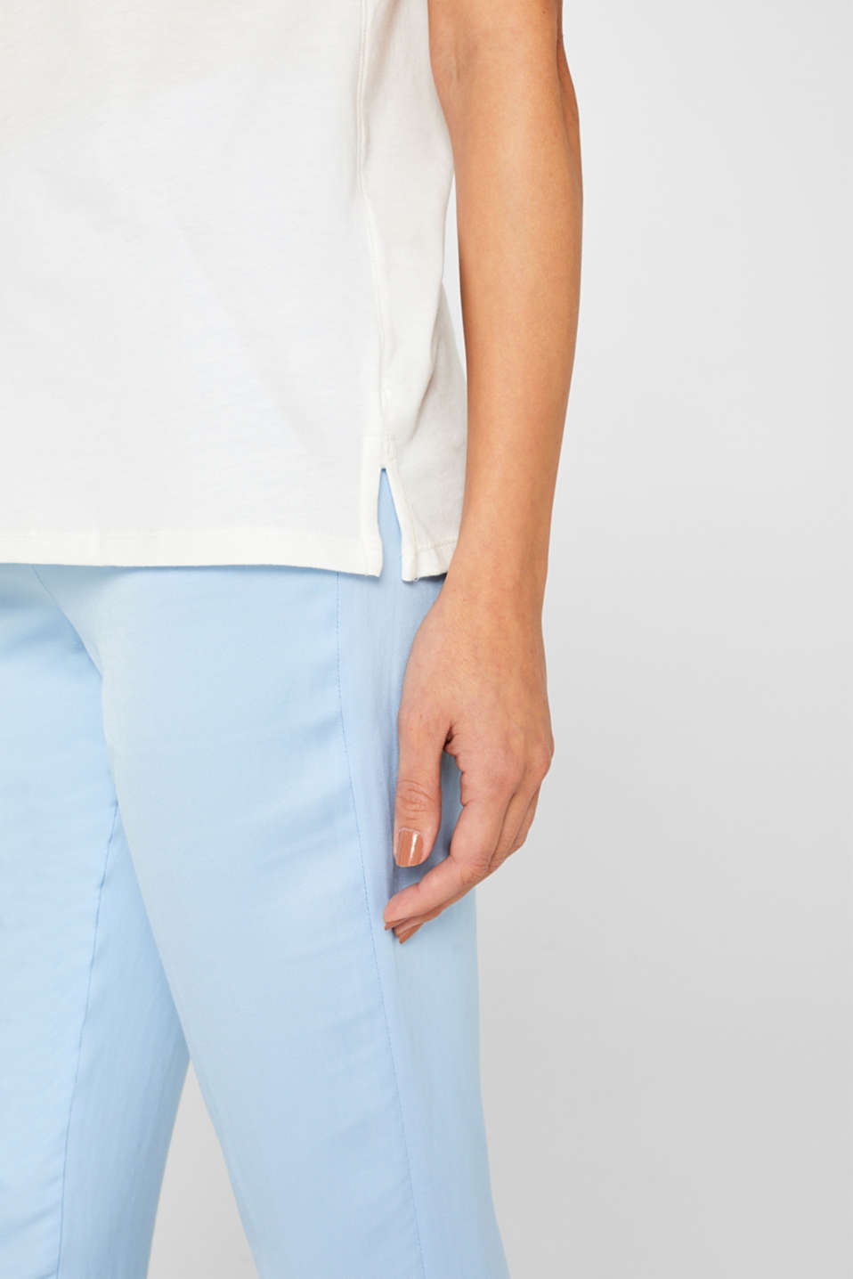 Smooth top with a distinctive ribbed trim, OFF WHITE, detail image number 5