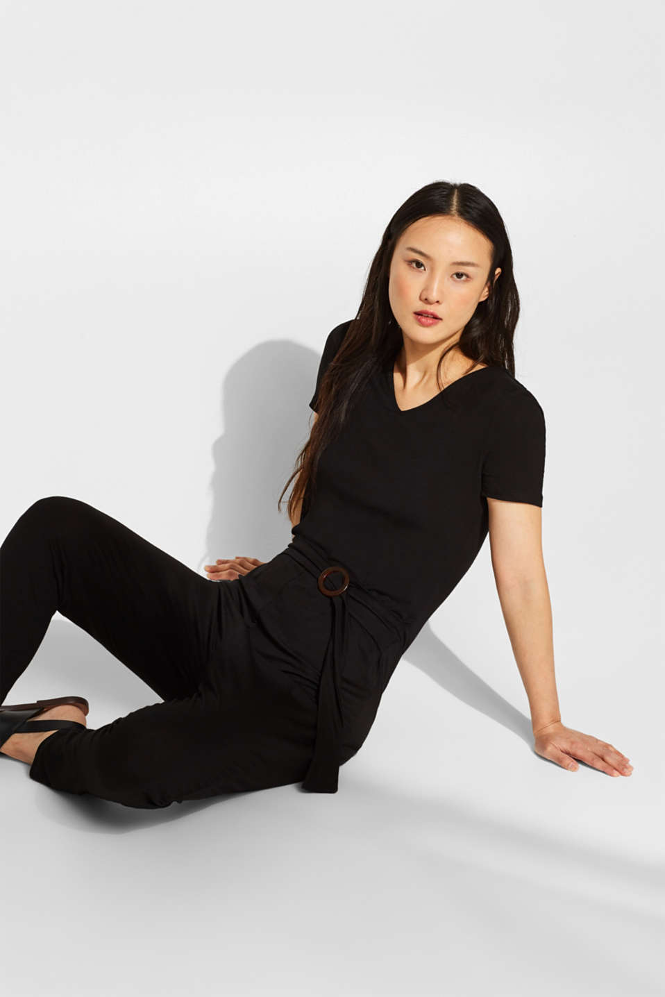 Esprit - Stretch jersey jumpsuit with a fixed belt