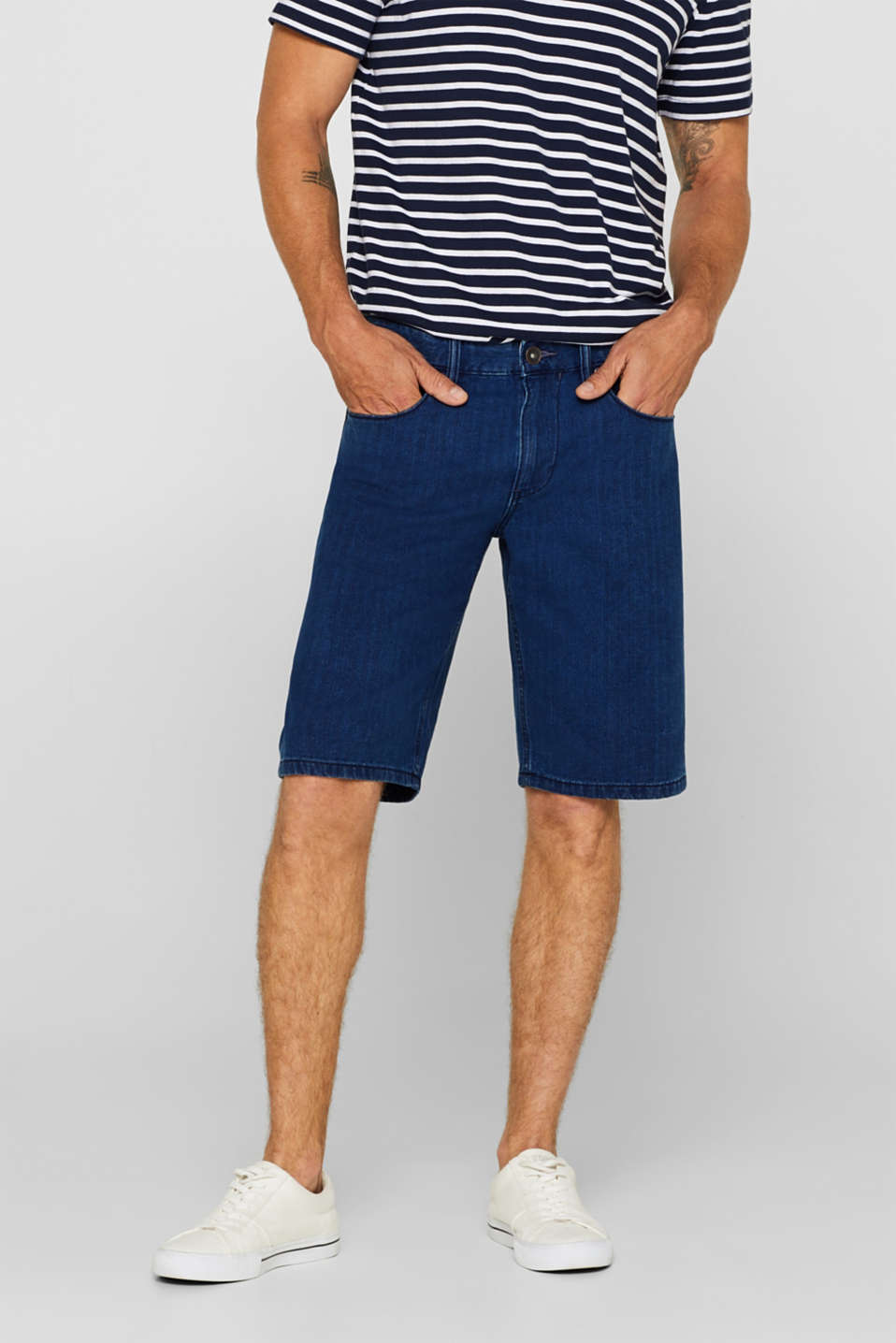 Esprit - Denim shorts in 100% cotton