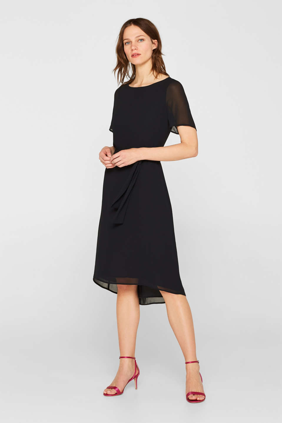 Esprit - Chiffon midi dress with a tie-around belt