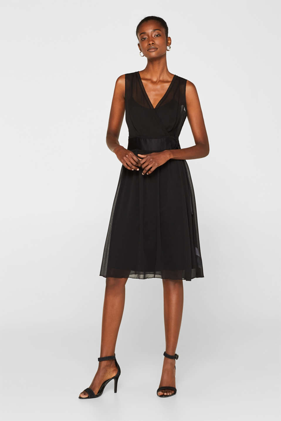 Crinkle chiffon dress with a slip, BLACK, detail