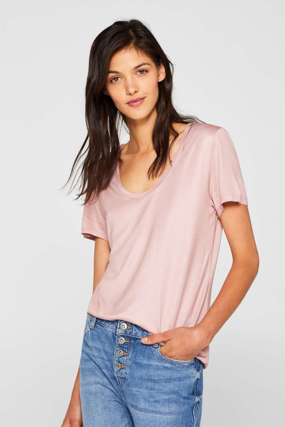 Esprit - Shimmering top with a beautiful neckline