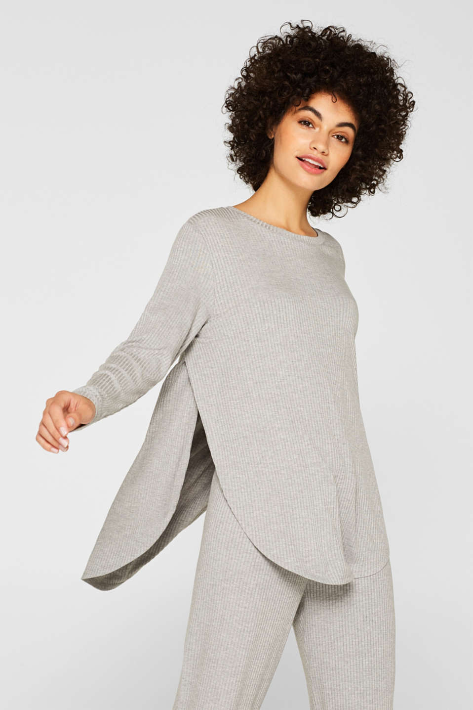 Esprit - Ribbed long sleeve top with LENZING™ ECOVERO™