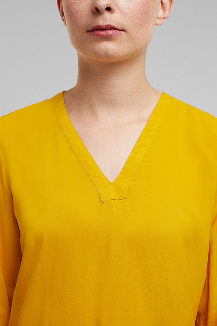 Henley blouse made of LENZING™ ECOVERO™, BRASS YELLOW, detail image number 2