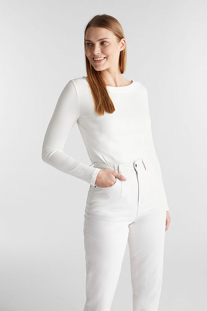 Long sleeve top with a bateau neckline made of organic cotton