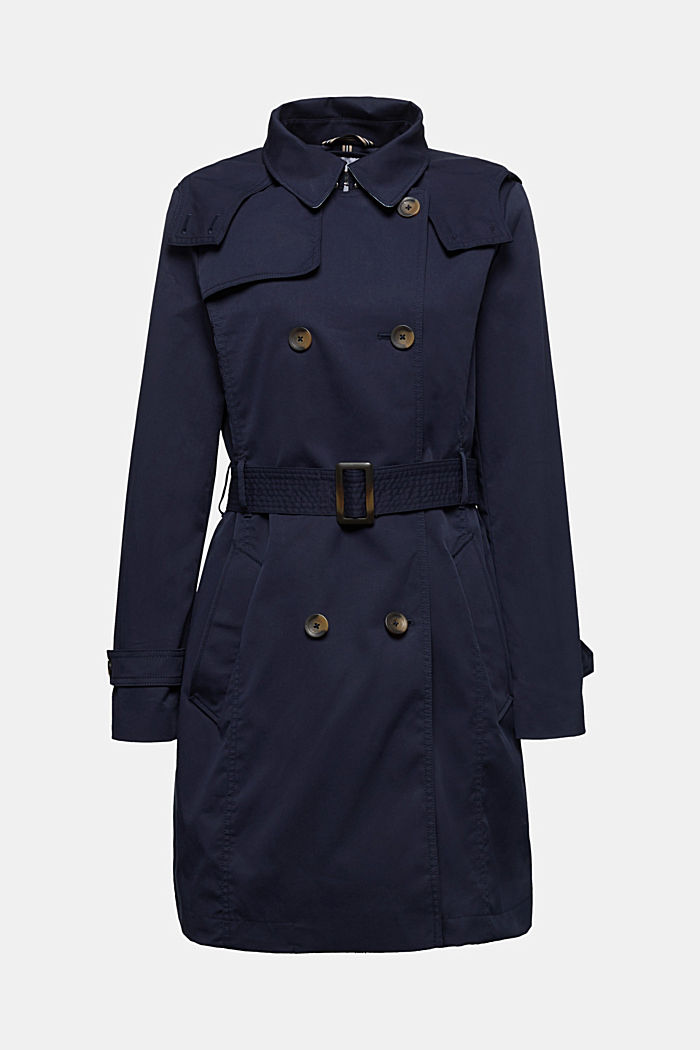 Trench coat with adjustable padding
