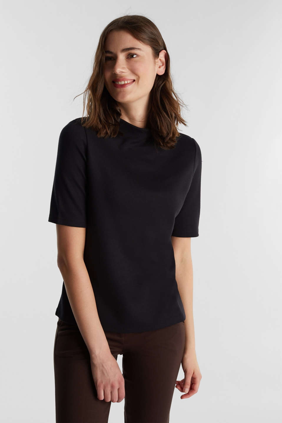 Esprit - Jersey T-shirt with a turtleneck