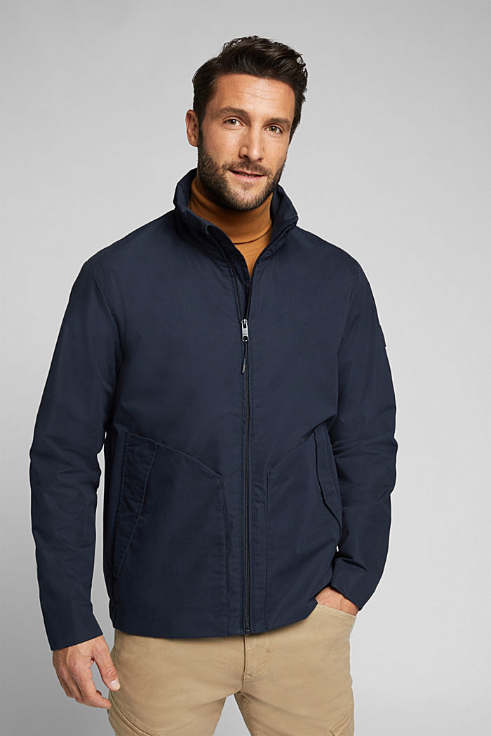 Lightweight outdoor jacket made of blended cotton