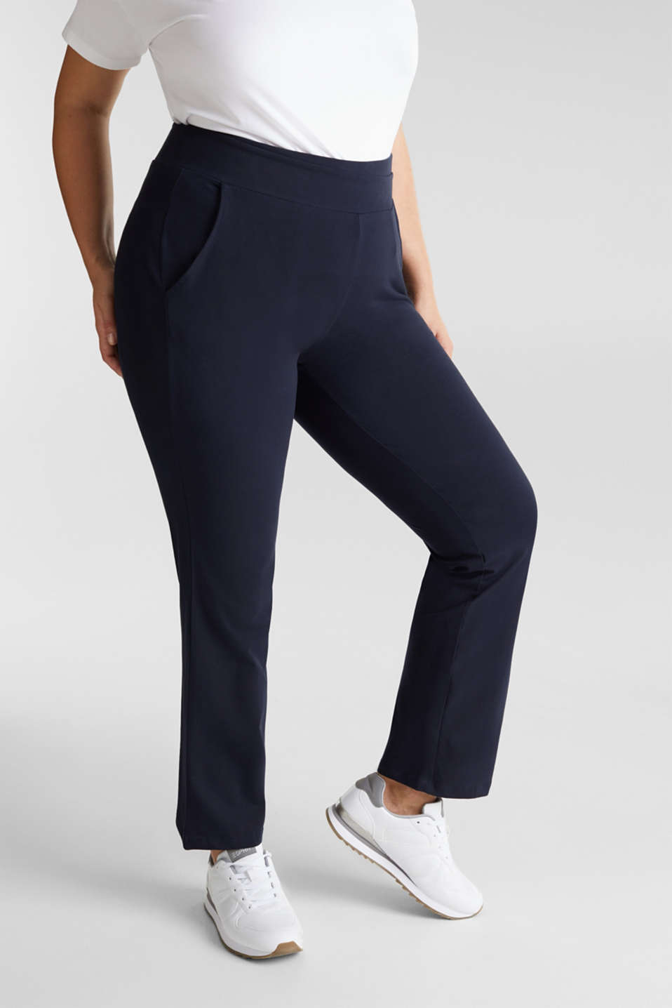 Esprit - CURVY sports trousers with organic cotton