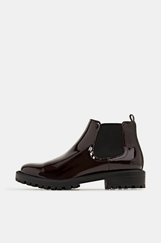 Chelsea boots with a patent finish