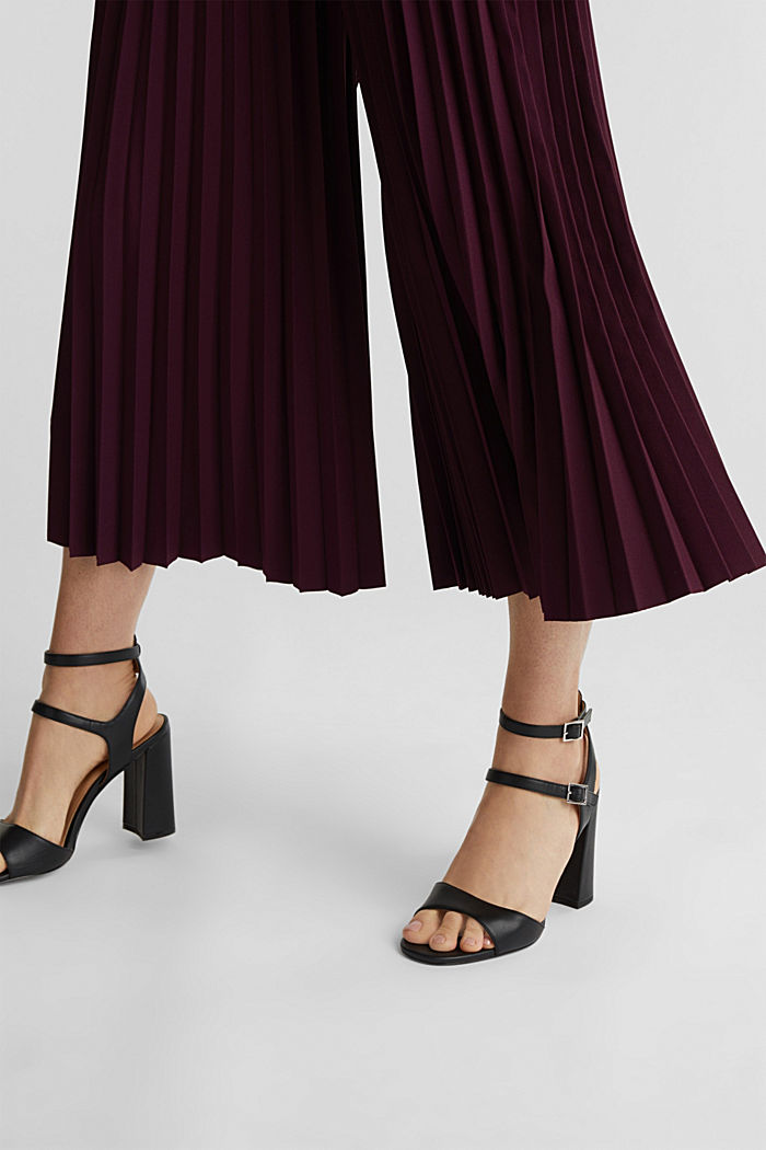 Recycled: culottes with pleats, BORDEAUX RED, detail image number 2