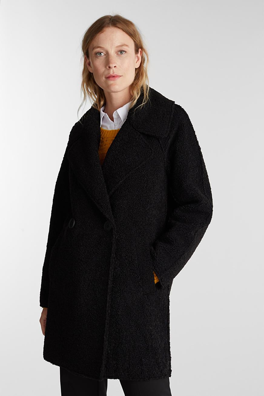 Double-faced coat in a plush look