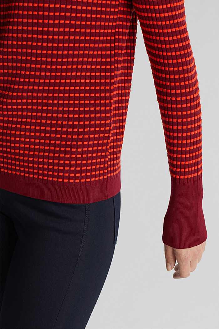 Textured jumper made of blended LENZING™ ECOVERO™, BORDEAUX RED, detail image number 2