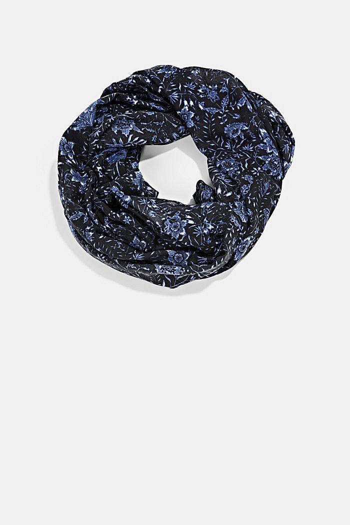 En matière recyclée: foulard tube à motif