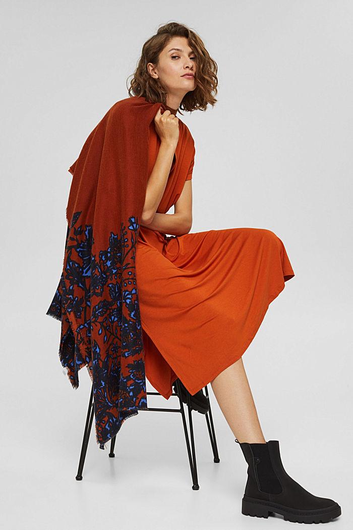 Reciclado: fular de tela con diseño floral, RUST ORANGE, detail image number 3