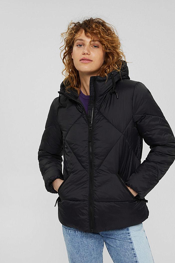 Gerecycled: gewatteerde jas met capuchon, BLACK, detail image number 0