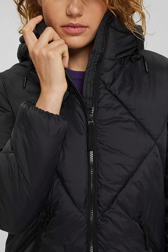 Gerecycled: gewatteerde jas met capuchon, BLACK, detail image number 2