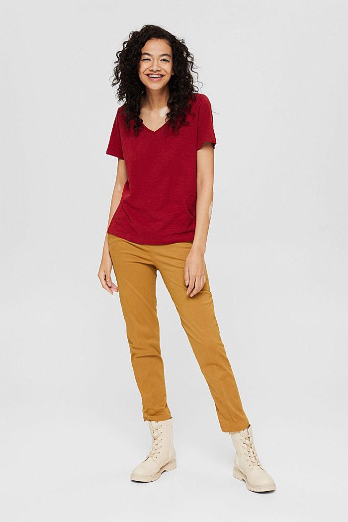 T-Shirt mit V-Neck aus 100% Organic Cotton, DARK RED, detail image number 1